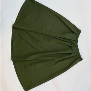 Missguided pleated skirt